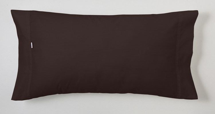 FUNDA DE ALMOHADA LISA COMBI 100% ALGODÓN 200 HILOS Chocolate 179 50 x 80 cm (Pack 2 uds.) Chocolate 179 45 x 170 cm Chocolate 179 45 x 155 cm Chocolate 179 45 x 125 cm Chocolate 179 45 x 110 cm Chocolate 179 45 x 95 cm(Pack 2 uds.) Chocolate 179 45 x 85 cm (Pack 2 uds.)