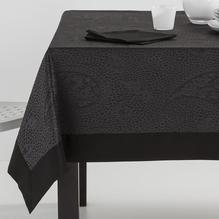 MANTELERIA KASHMIR APLIQUE Negro 155x300+12serv. Negro 155x250+12serv. Negro 155x200+8serv Negro 155x155+6serv